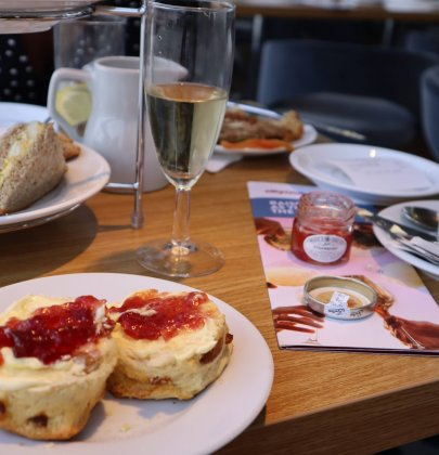 Review: Afternoon Tea & City Cruise in London